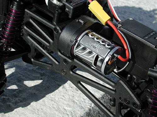 new concept 8ae91 b05d7 Vendu au prix de 175 €, le MiniZilla RTR est pré assemblé et se compose